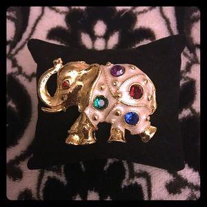 unknown Jewelry - Elephant pin